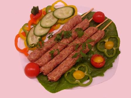 Αγορά Κεμπάπ από βόειο, χοιρινό και πρόβειο κρέας