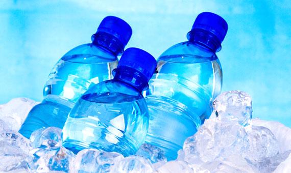 Αγορά Εμφιαλωμένα νερά, Αναψυκτικά