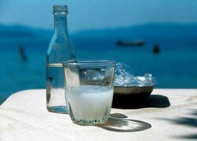 Αγορά Τσίπουρο, ποτό από το σταφύλι
