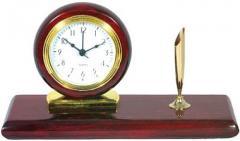 Ξύλινο επιτραπέζιο ρολόι με πενοστάτη.