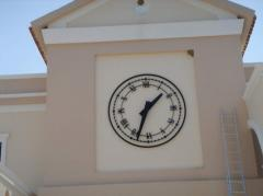 Front wall clock