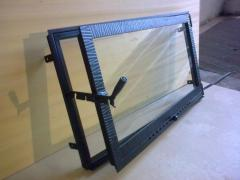 Safety glass for wall-mounted fireplaces