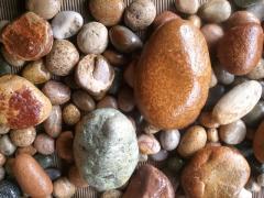 Natural decorative pebbles