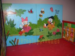 Ζωγραφικη στους τοιχους προστασιας του παιδοτοπου