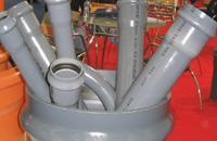 Σωλήνες και εξαρτήματα PVC για δίκτυα αποχέτευσης