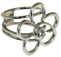 Ασημένιο δαχτυλίδιι σε σχέδιο γεωμετρικού