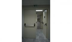 Μεταλλικές πόρτες ανοιγόμενες, μονόφυλλες ή