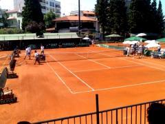 Υποδομή και στρώσιμο χωμάτινου γηπέδου τένις