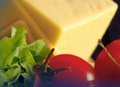 Ελληνικά τυριά (φέτα, παραδοσιακό κασέρι,  Μπάτζος)