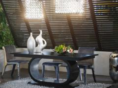 Τραπέζια και επιπλα