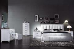 Δερμάτινη κρεβατοκάμαρα ντυμένη με λευκό eco