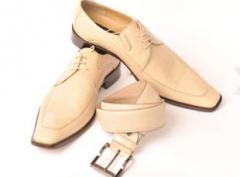 Παπούτσια, Πουκάμισα και Ζώνες