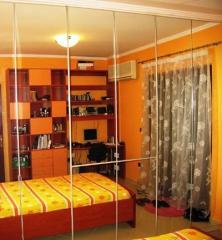 Ντουλάπες υπνοδωματίου με πόρτες καθρέπτη