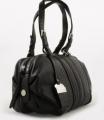 Γυναικεία τσάντα από δέρμα γκοφρέ συνθετικό με μεταλλική λεπτομέρεια