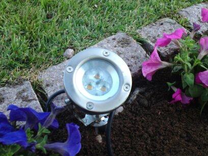 Παραγγελία Εξωτερικός φωτισμός σε κήπο