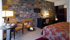 Δίκλινα οικονομικά δωμάτια για οικονομικές διακοπές με πολλές ανέσεις.